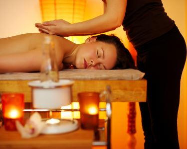 Massagem de Relaxamento - 50 Minutos | 4 Locais - Sinta-se nas Nuvens!