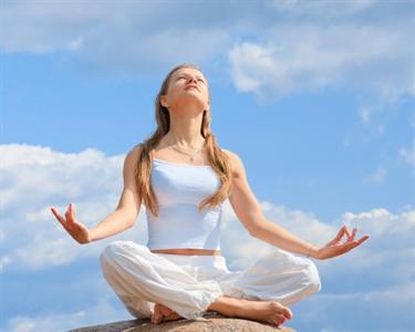 Pratica Yoga - 8 Aulas em 1 Mês