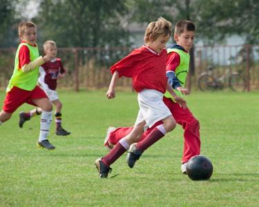 1 Mês de Treino em Escola de Futebol   5 aos 14 anos