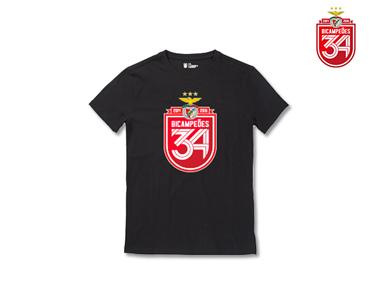 T-Shirt Bicampeão Preta c/Escudo 34
