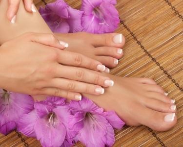 Manicure & Pedicure - 1 Hora