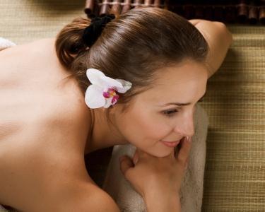 Massagem Óleos Quentes&Aromaterapia