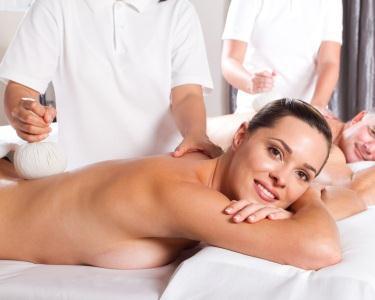 Massagem com Pindas para Casal