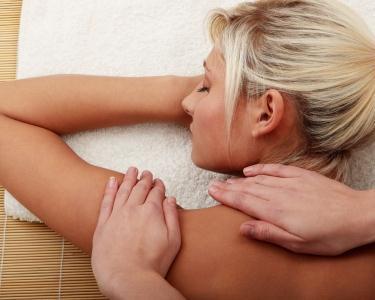 Massagem Relaxante com Óleos Essenciais | 30 ou 50 Minutos - Porto