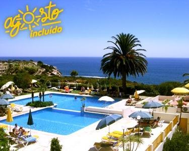 Hotel Baía Cristal - 2 ou 4 Noites em Meia-Pensão no Verão