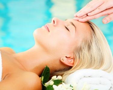 Head Massage & Brushing