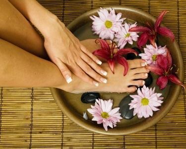 Manicure & Pedicure - Visual Cuidado
