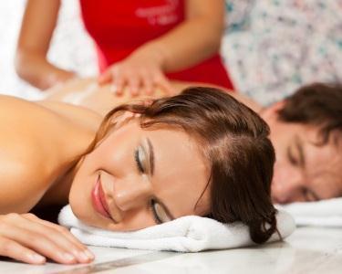 Massagem Óleo de Eucalipto a 2