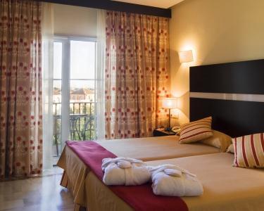 Sevilha-Ilha Mágica Hotel + Bilhete