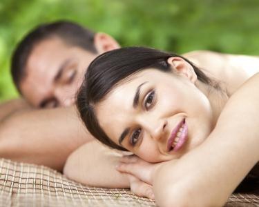 Massagem Casal com Óleos Exóticos