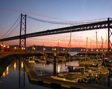Jantar Romântico a Dois com Tudo Incluído | O Lado Atrevido de Lisboa