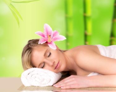 Avaliação Postural + Massagem Terapêutica com Alongamentos