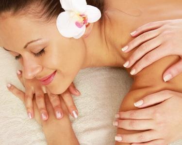 Massagem Localizada & Manicure