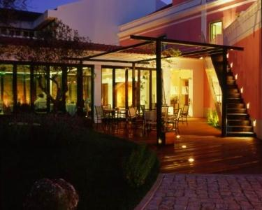 Hotel Acez 4* - Noite de Luxo & Romance