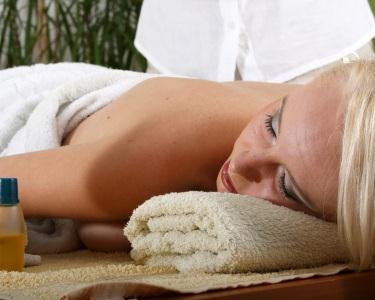 Esfoliação & Massagem à Coluna
