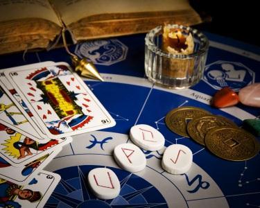Sessão de Tarot & Astrologia