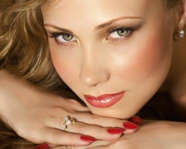 Total Beauty- L'Oréal Hair&Gel Nails