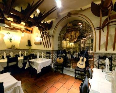 Jantar na Taverna d´el Rey & Fado