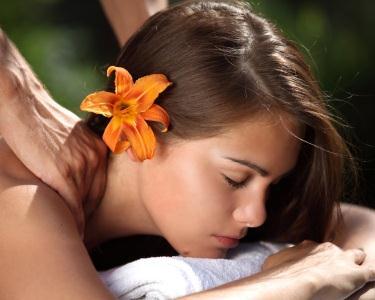 Massagem Folha de Canela | 45 Min
