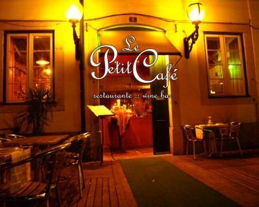 Jantar Romântico no Le Petit Café
