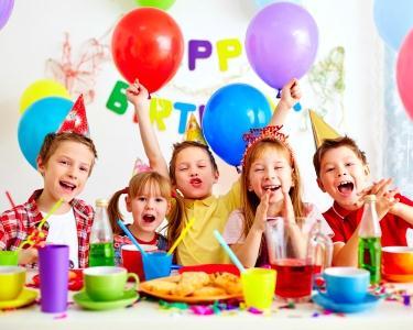 Festa de Aniversário - Lanche&Modelagem de Balões