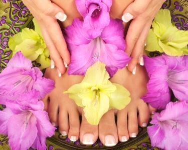 Spa Manicure & Pedicure com Parafina