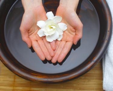 Spa de Mãos - Esfoliação   Parafina   Massagem