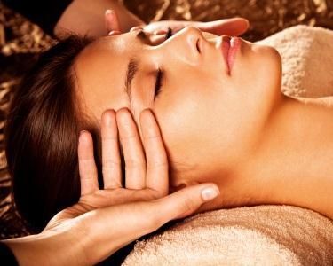 Indian Head Massage + Padabhyanga