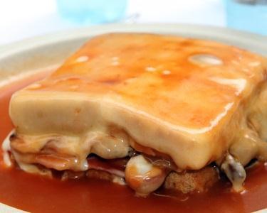 Jantar a 2 - Francesinha c/Batata & Bebida