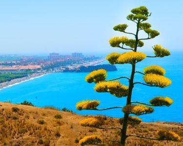 Almeria - Mar de praias no Verão