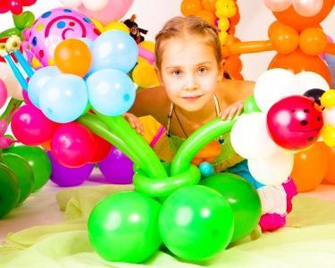 Happy B`Day com Atividade & Presente de Aniversário