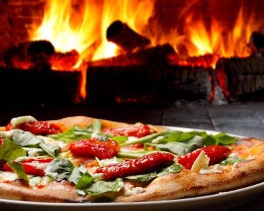 Rodízio Pizzas a 2   Pizza na Brasa