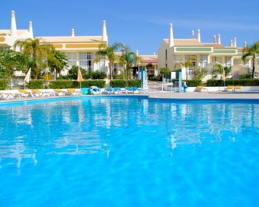Ponta Grande Resort 4* - 7 Noites para 4 adultos e 2 Crianças
