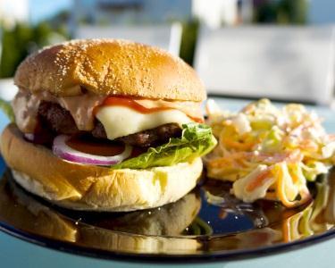 Entrada & Hambúrgueres Gourmet para 2 - Eccellenza Lounge