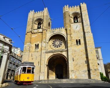 Passeio Pedestre & Eléctrico 28 | Lisboa a Dois