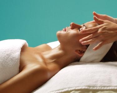 Pack: Limpeza de Pele c/ Peeling | Terapia Fotodinâmica | Pressoterapia | Massagem