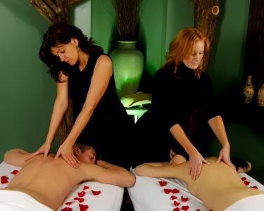 Massagem a Dois Pétalas Rosa & Óleos | 1hora