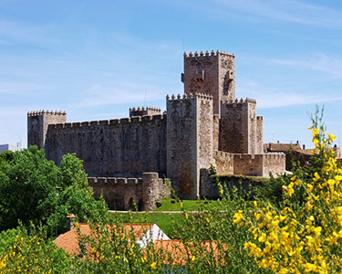 Escapada Romântica nas Muralhas | Palheiros do Castelo