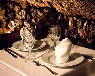 Jantar & Romance na Gruta do Paraíso