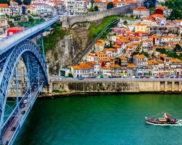 Noite no Douro & Cruzeiro das 6 Pontes com Prova de Vinhos