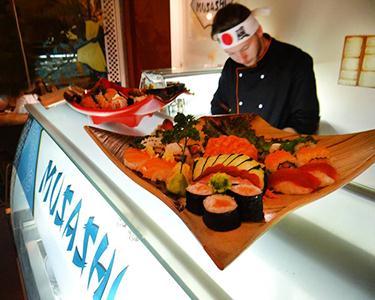 Jantar para 4 pessoas | Musashi Sushi Fusion