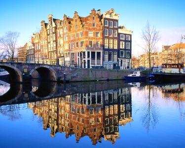 Romance em Amesterdão | Voo + 3 Nts + City Tour e Cruzeiro nos Canais