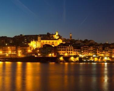 Jantar Flutuante a Dois no Rio Douro