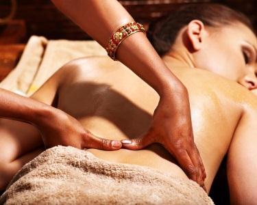 Massagem de Relaxamento de Natal c/ Óleo Essencial de Canela