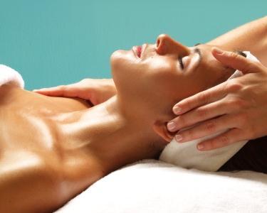 Limpeza + Esfoliação + Máscara + Massagens | Mime-se!