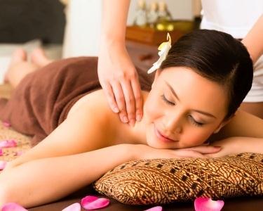 Massagem de Óleos Quentes 50min | Parede