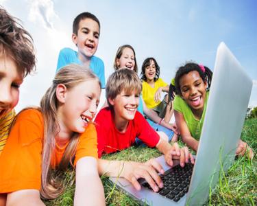 Sparksville - Curso Online de Línguas para Crianças. Aprender é Divertido!