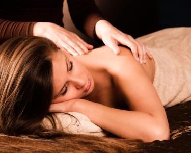 Ritual dos Sentidos   Massagem & Brushing no Rato