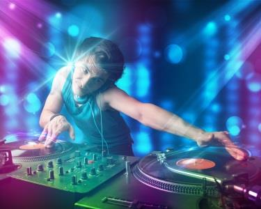Workshop de DJ | Torne-se o Rei da Festa