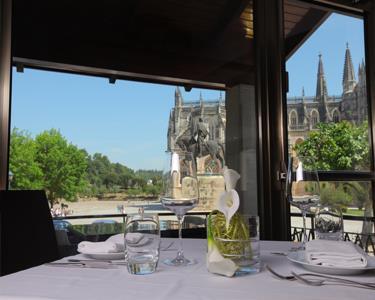 S. Valentim 4* | Noite & Jantar Romântico Vista Mosteiro da Batalha